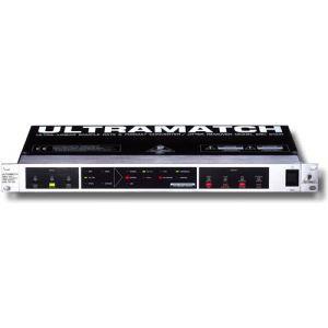 Convertor digital Behringer SRC2000