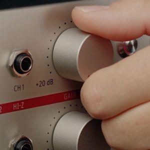 Preamplificator Microfon Neumann V 402